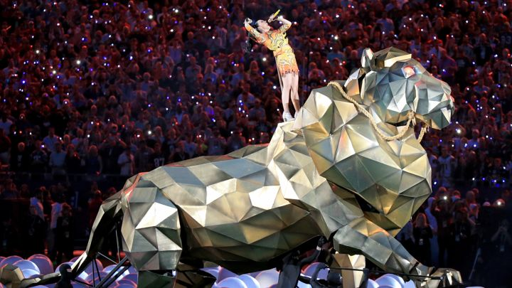 katy-perry-superbowl-roar